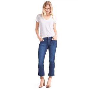 GAP Stretch Crop Kick Stone Jeans Dark Wash Sz 27
